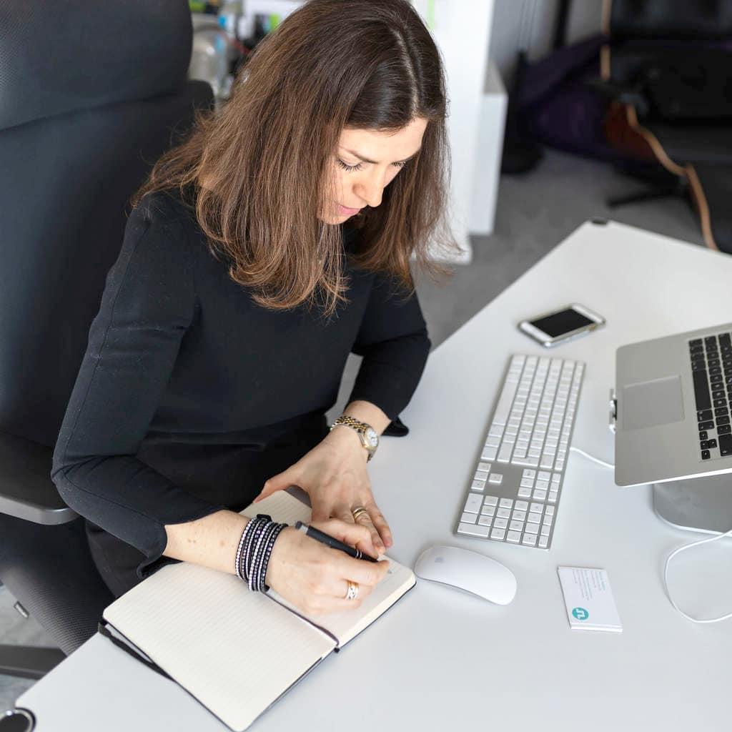 Unternehmens-Texte – selbst schreiben oder schreiben lassen?